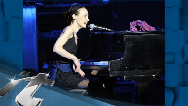 News video: Fiona Apple Is Back With Drums And A Hot Knife!